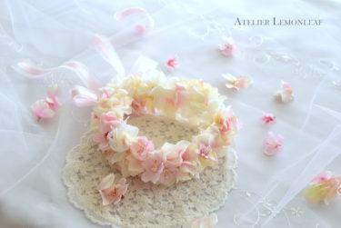 アトリエレモンリーフのピンクの花かんむり