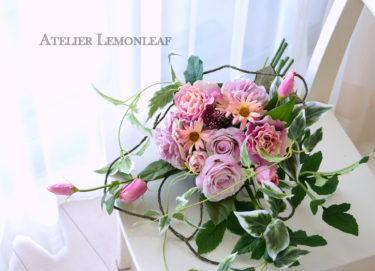 アトリエレモンリーフのバラのスワッグ
